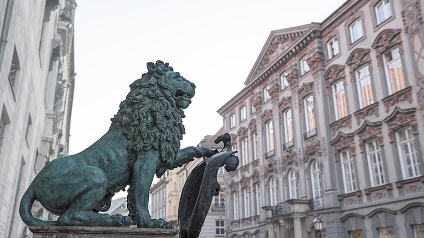 Preysing Palais Loewe - Links